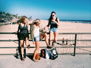 Kimmy, Arielle and Kelly hangin on the Huntington Beach Pier